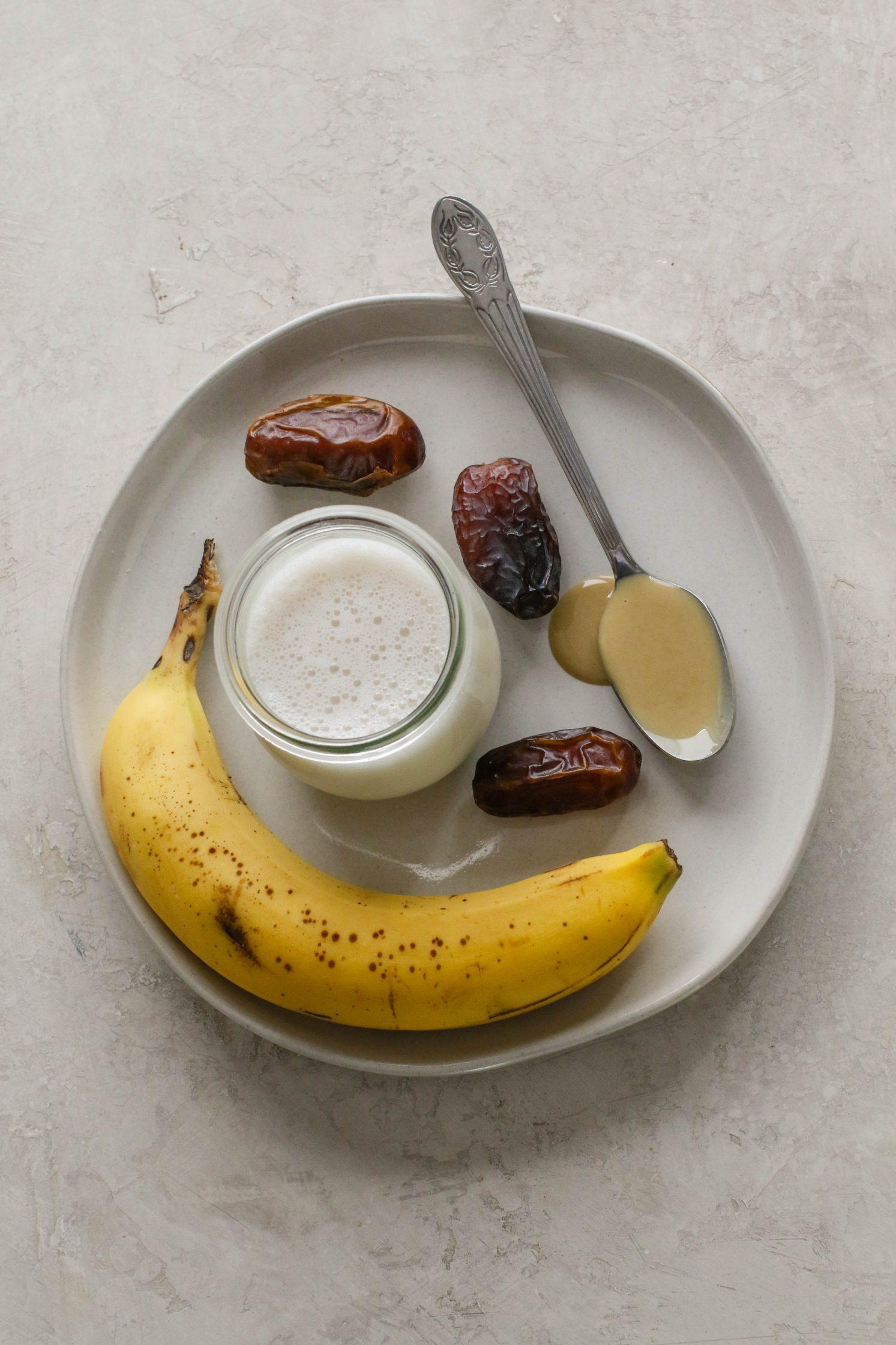 Tahini Date Shake (2-Ways!) Ingredients