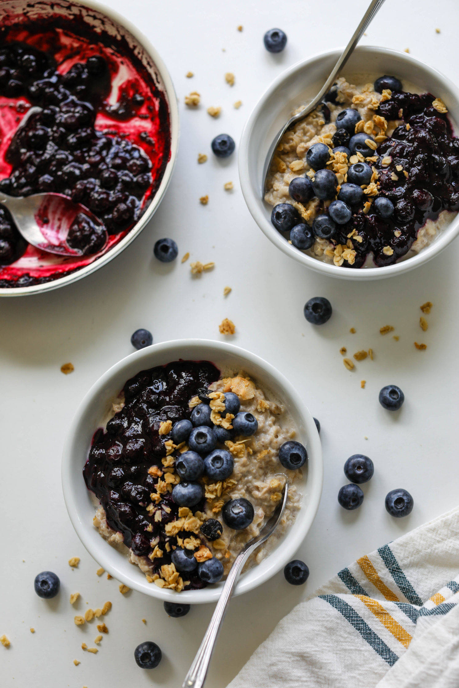 Blueberry Pie Oatmeal (No-Added-Sugar!) by Flora & Vino